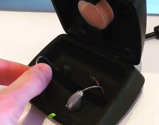 Starkey Muse IQr rechargeable hearing aid